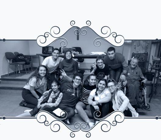 Muestra grupo de jóvenes de la Hospitalidad de Ntra. Sra. de Lourdes (León)