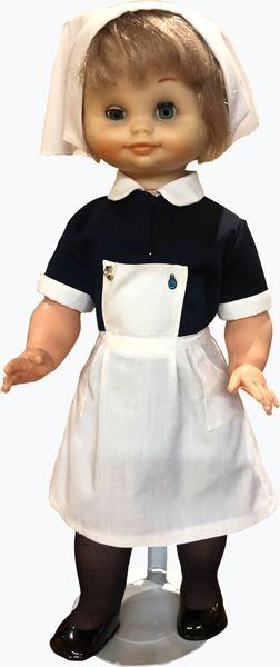 Muestra uniformidad femenina de la Hospitalidad de Ntra. Sra. de Lourdes (León)